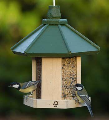 vogelfutterhaus 01 v gel vogelfutter nisthilfen. Black Bedroom Furniture Sets. Home Design Ideas