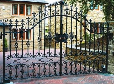 Startling Ornamental Iron Fences And Gates And Decorative Wrought Iron Gates Uk Puertas De Acero Disenos De Rejas Puertas De Fierro