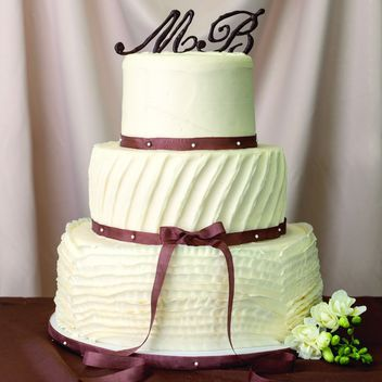21 Wedding Cakes That Look So Delicious No Fondant You Might