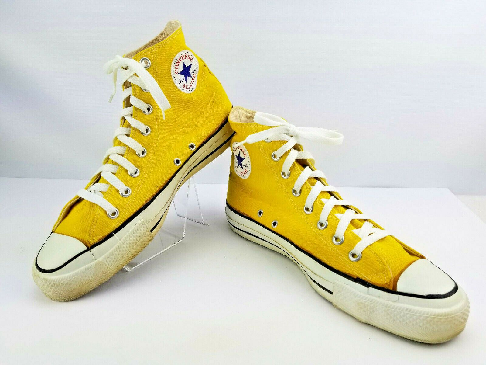 Yellow Converse Chuck Taylor High Tops<3 | Yellow converse