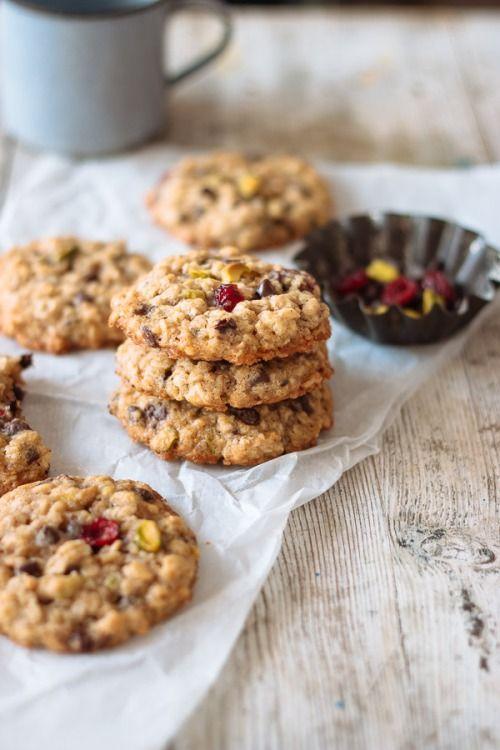 "cake-stuff: "" Chewy Oatmeal Cookies More cake & cookie & baking inspiration: http://ift.tt/1404eu8 """