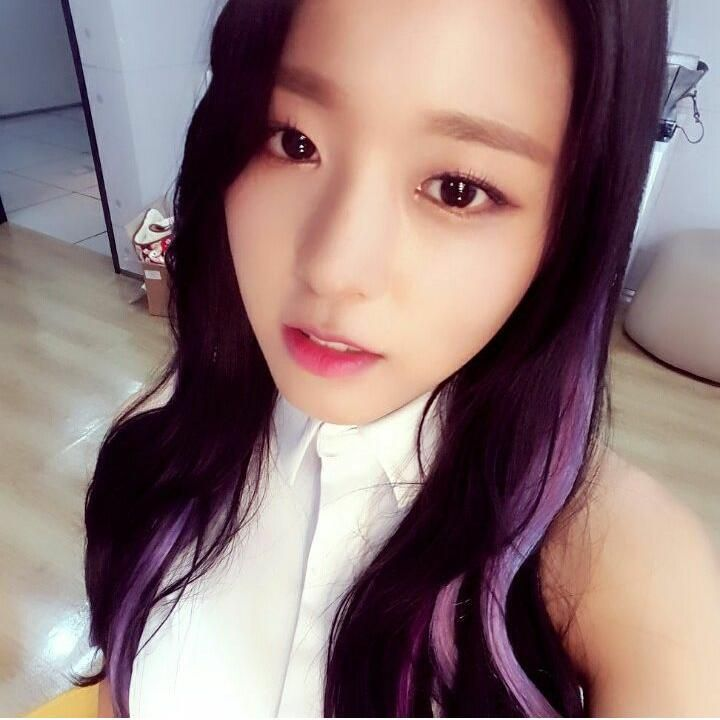 [SEOLSTAGRAM] a way to take good #selca pleaseㅠㅠ https://instagram.com/p/5BNAeYMh44/