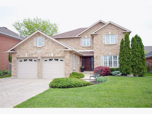 Home For Sale 4149 Arbourfield Dr Burlington On Homes Land Renting A House Sale House Outdoor Spa