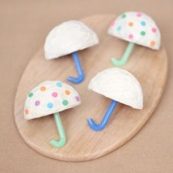 Cupcake umbrellas: as simple as it looks with one tip!
