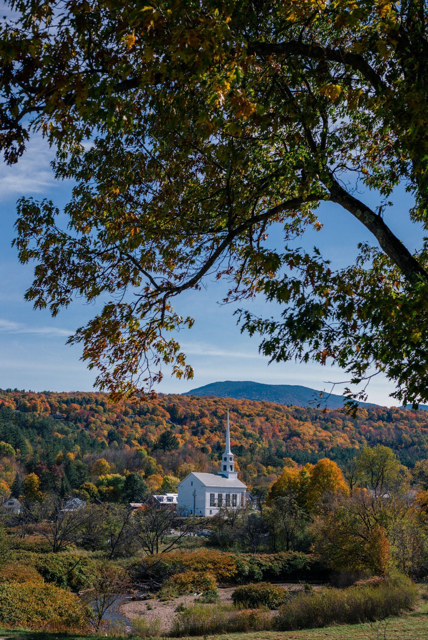Gal Meets Glam Stowe Vermont Fall Foliage | Travel | Pinterest ...