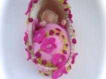 Waldorf Kletterbogen : Wiege mit baby elfe. filz waldorf. kleines pinterest