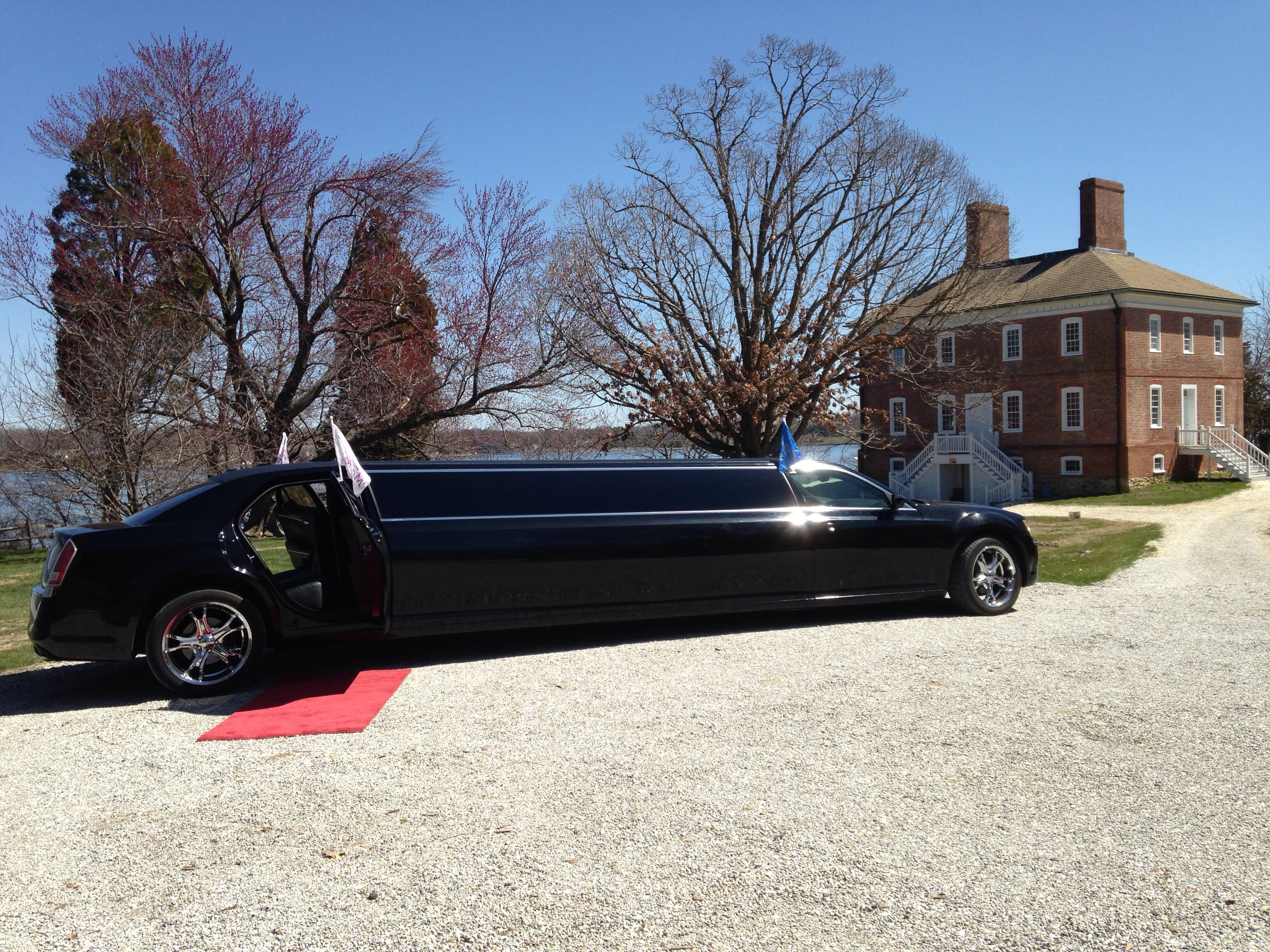 An extraordinar limousines chrysler 300 with images