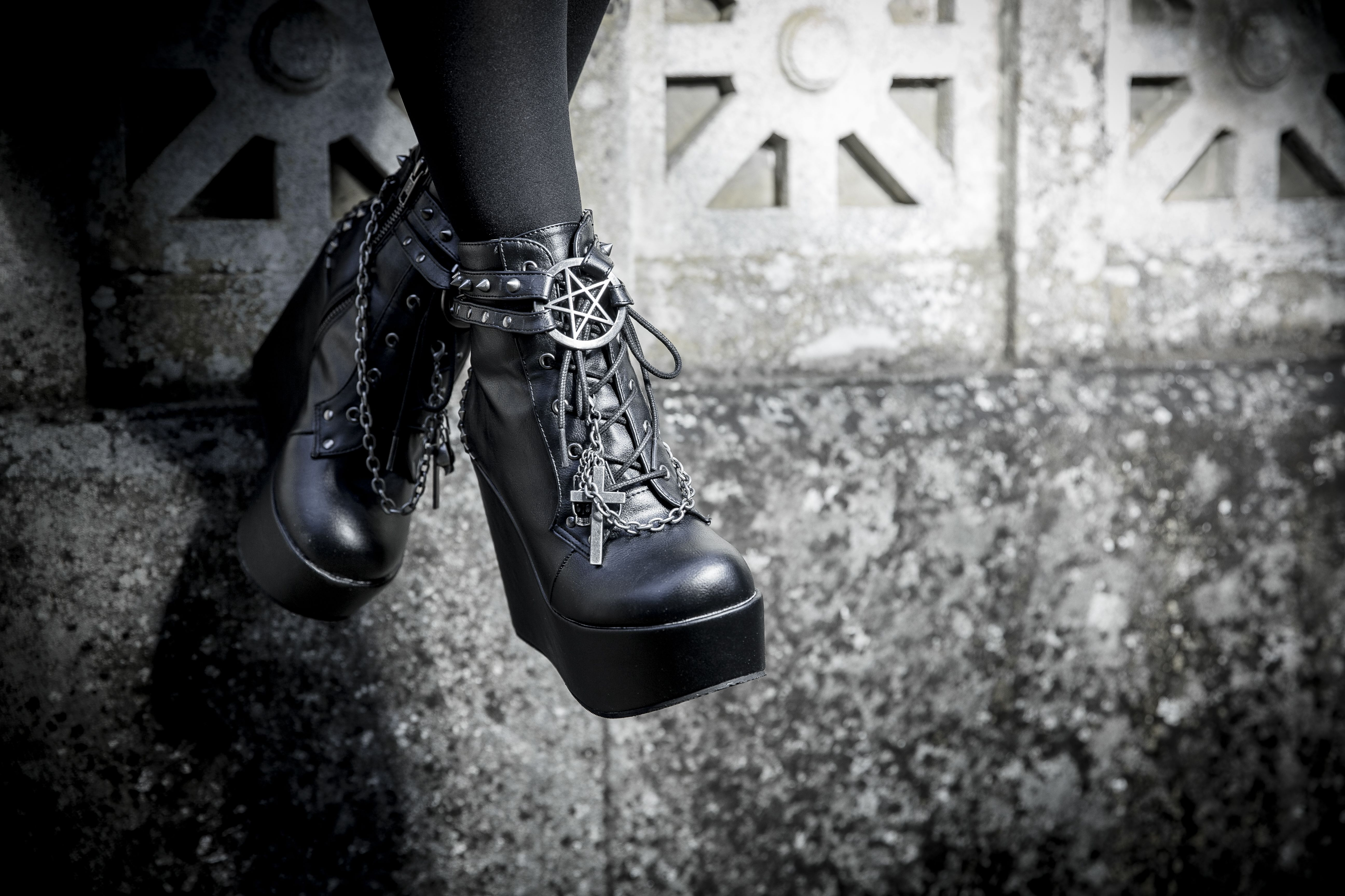 ???? DEMONIA : Poison- 101 High Heel