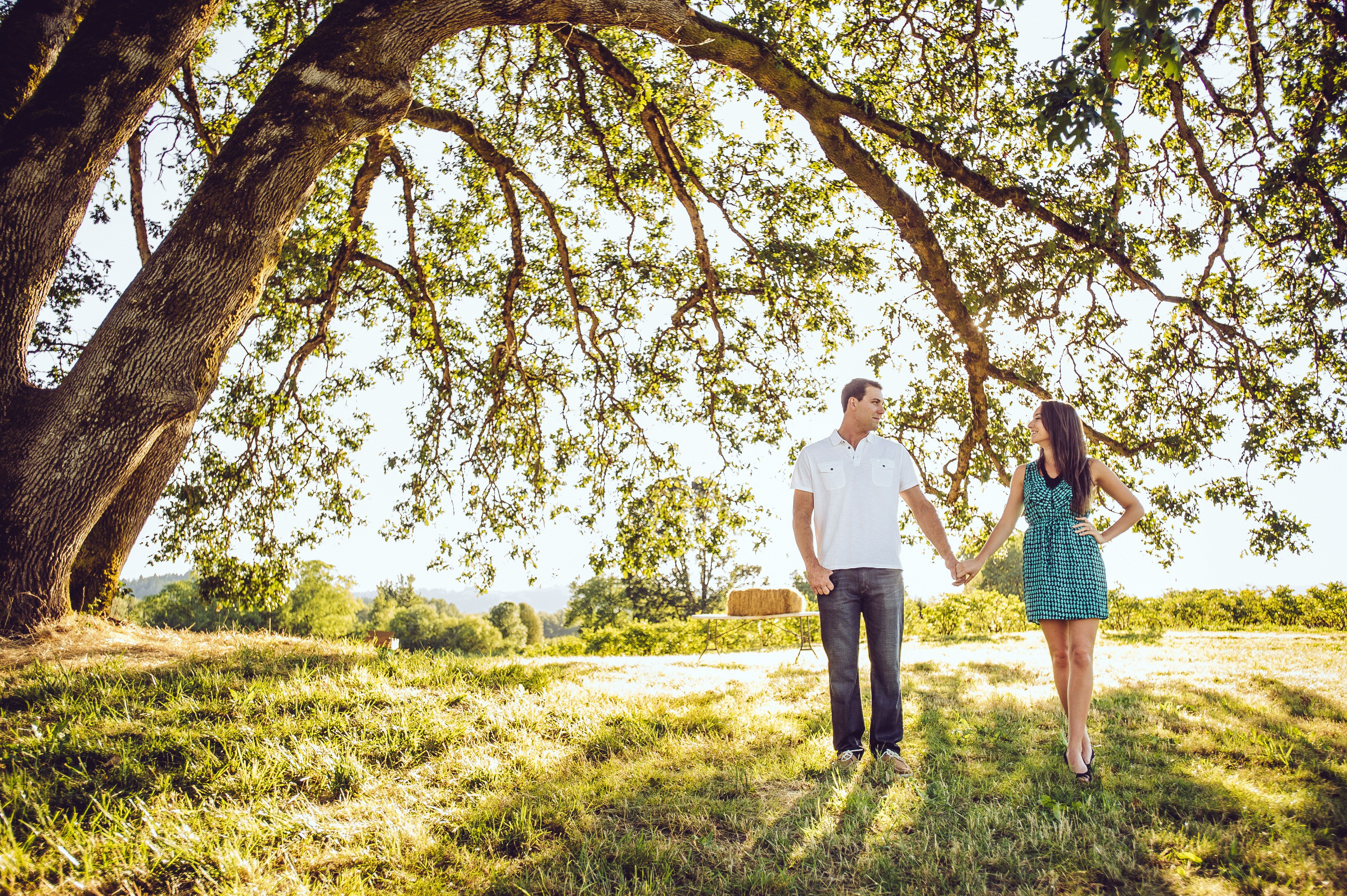 Sauvies Island Engagement Picture