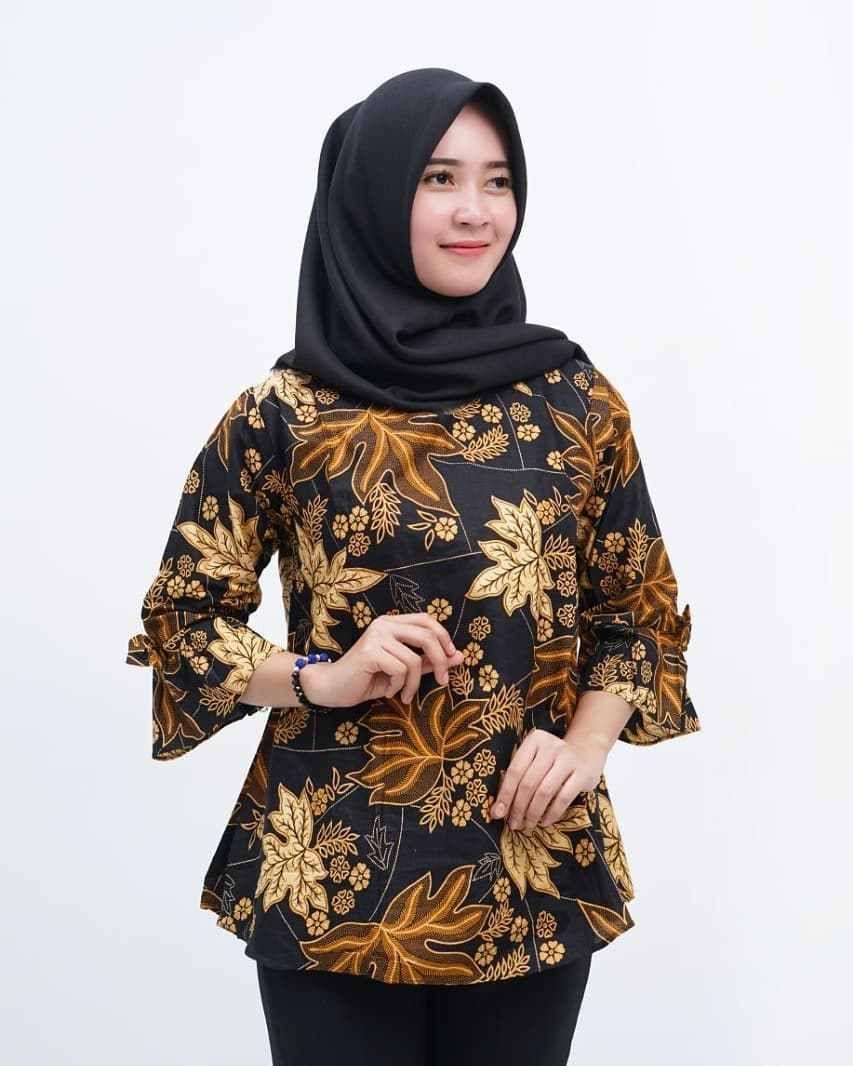 Desain Baju Batik Wanita Modern Terbaru di 12  Baju atasan