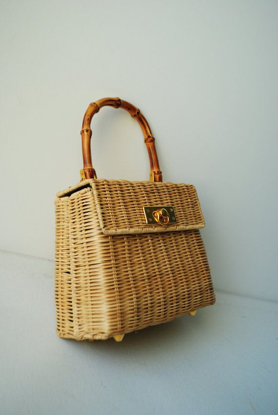 1ca83405a1 Vintage 80s golden-light brown woven wicker hand bag with large wood ...