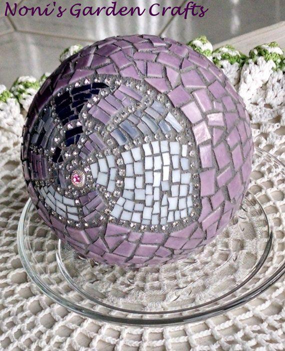 Mosaic seashell nautilus stained glass small gazing ball for Nautilus garden designs