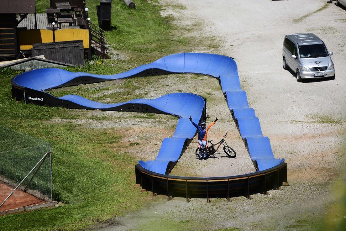 Pumptrack Sport, Touren, Rampen