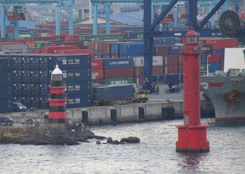 Busan Inner Harbor North lighthouses [1905 / ? - Busan, Busan, South Korea]