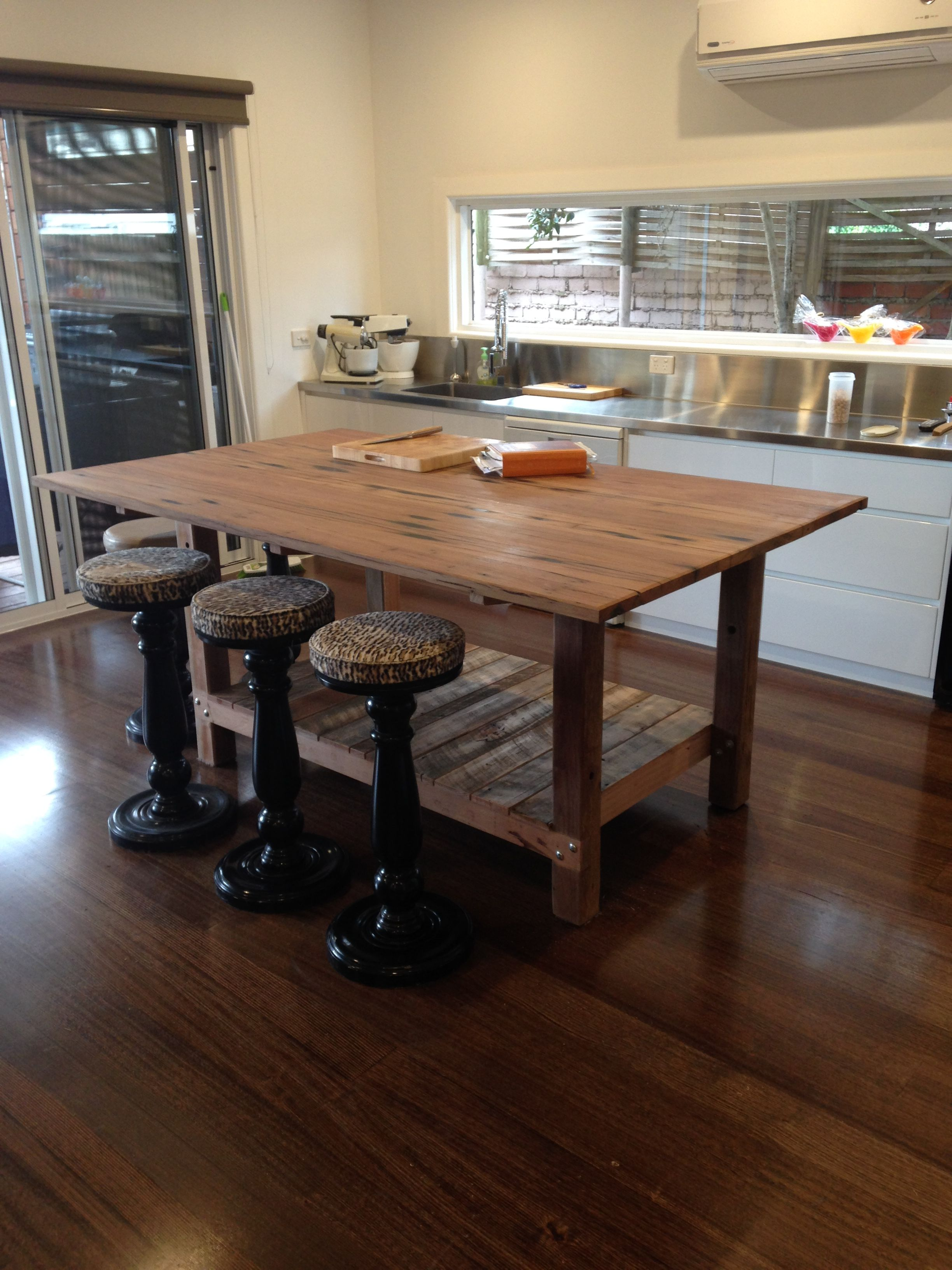 kitchen island bench 2000 x 1200 x 900 the top and posts
