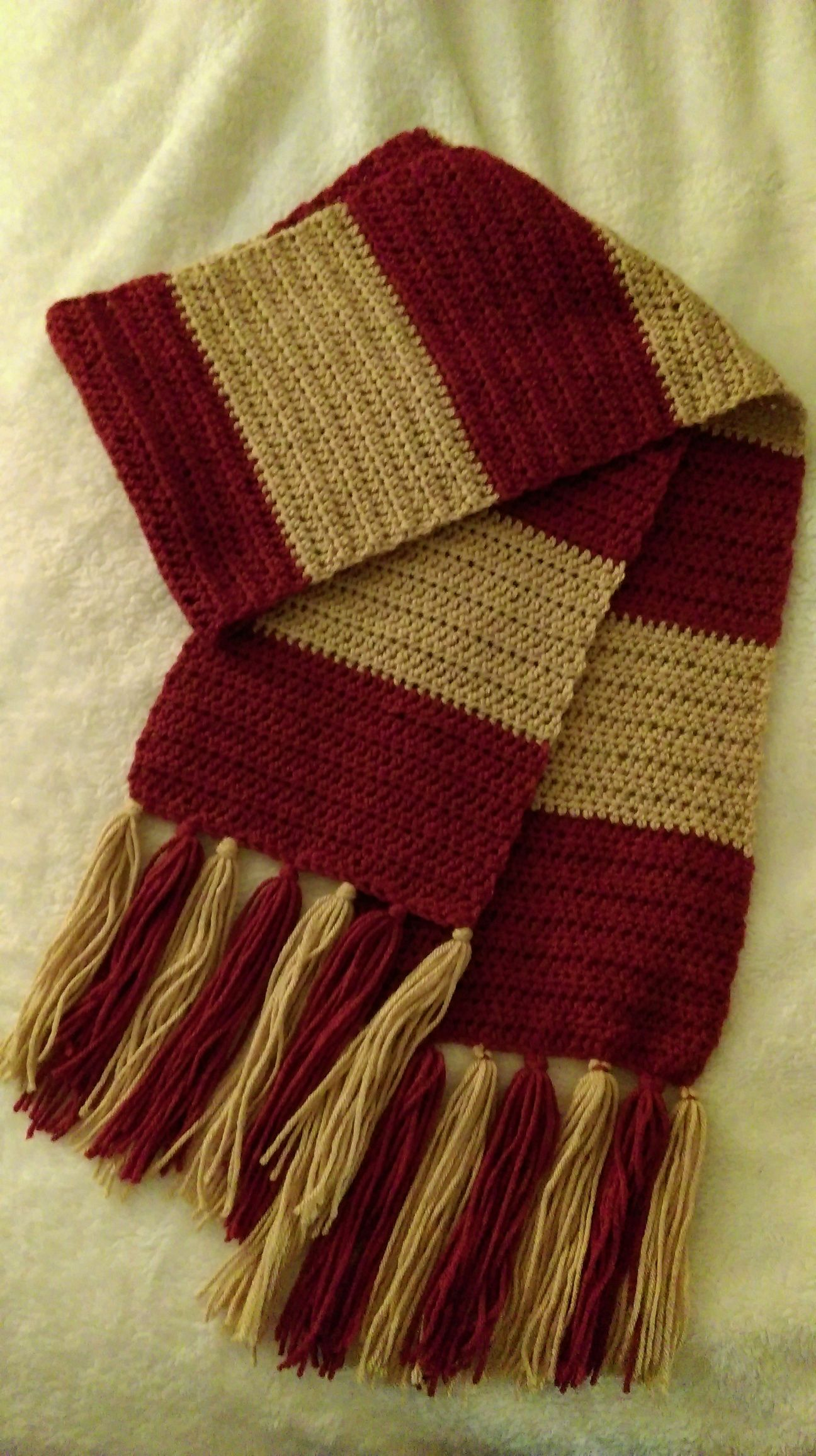 First Years Harry Potter Crochet Scarf – Knotted Mom This pattern is ...