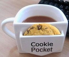 I love this.  Every mug should have a cookie pocket.