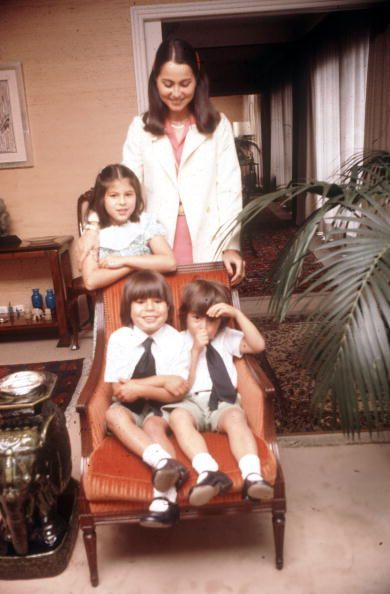 Isabel Preysler With Its Three Children Best Julio