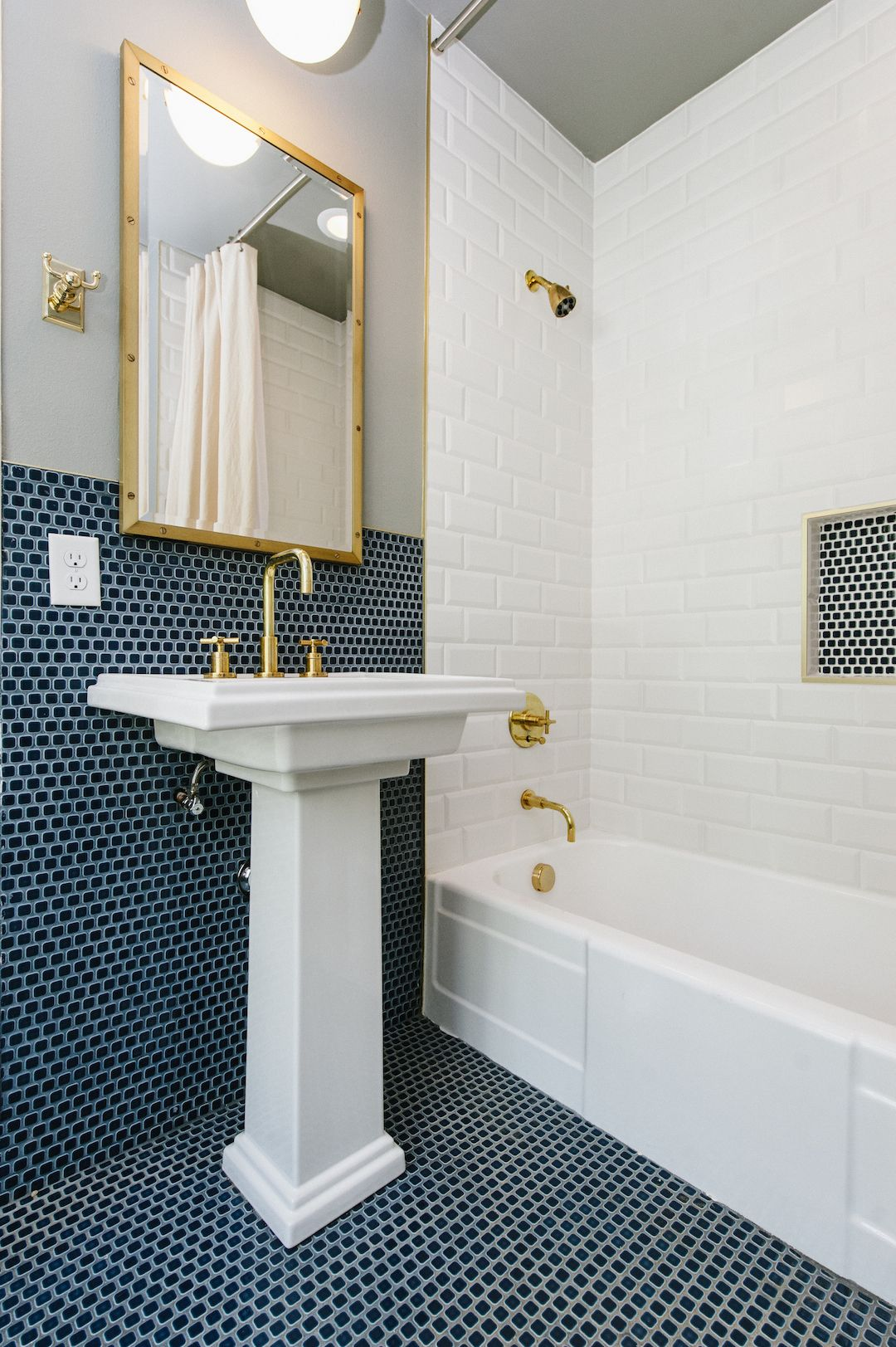 Black And White Bathroom Google Search Blue Bathroom Tile Penny Tiles Bathroom Bathroom Tiles Combination