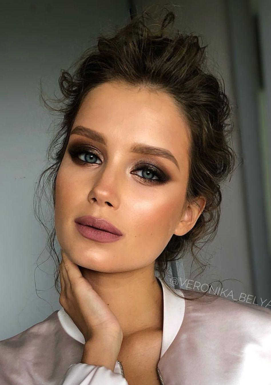 Night time sophisticated makeup look and Smokey eye