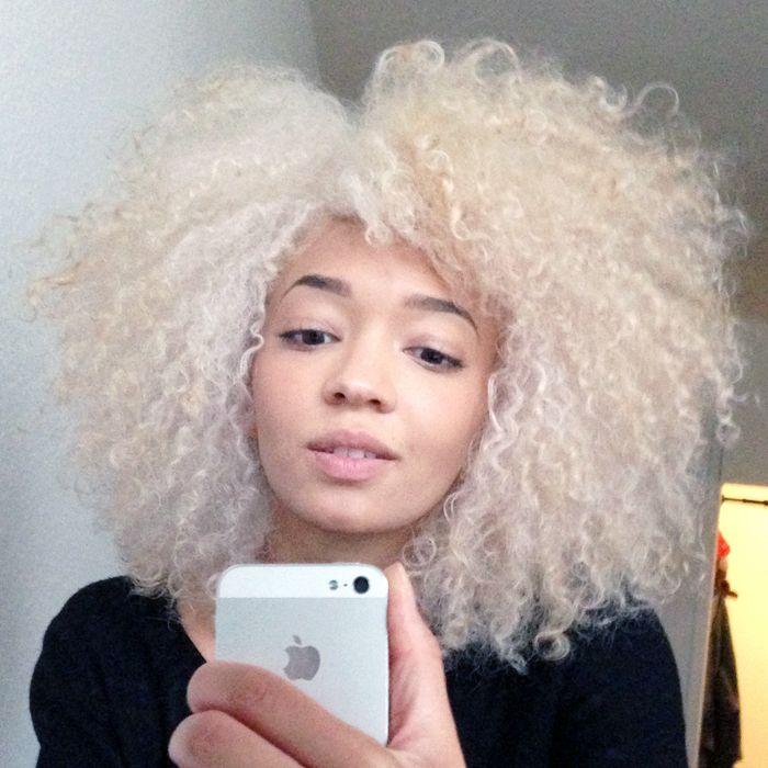 D colorer ses cheveux afro naturels en blond platine je vous dis tout enfin je vous et - Cheveux blond blanc ...