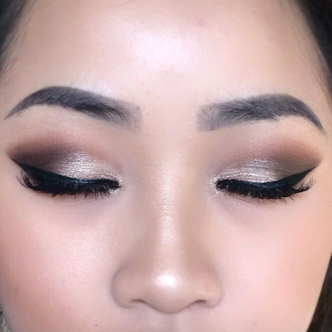 Make Up For Asian Eyes Simple Bold Makeup Look Monolid Makeup Silver Makeup Asian Eye Makeup