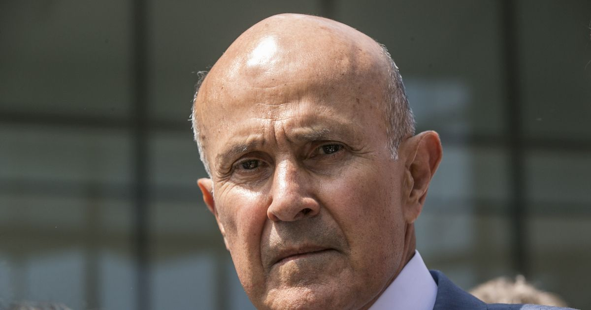 Former la county sheriff asks to stay free during appeals