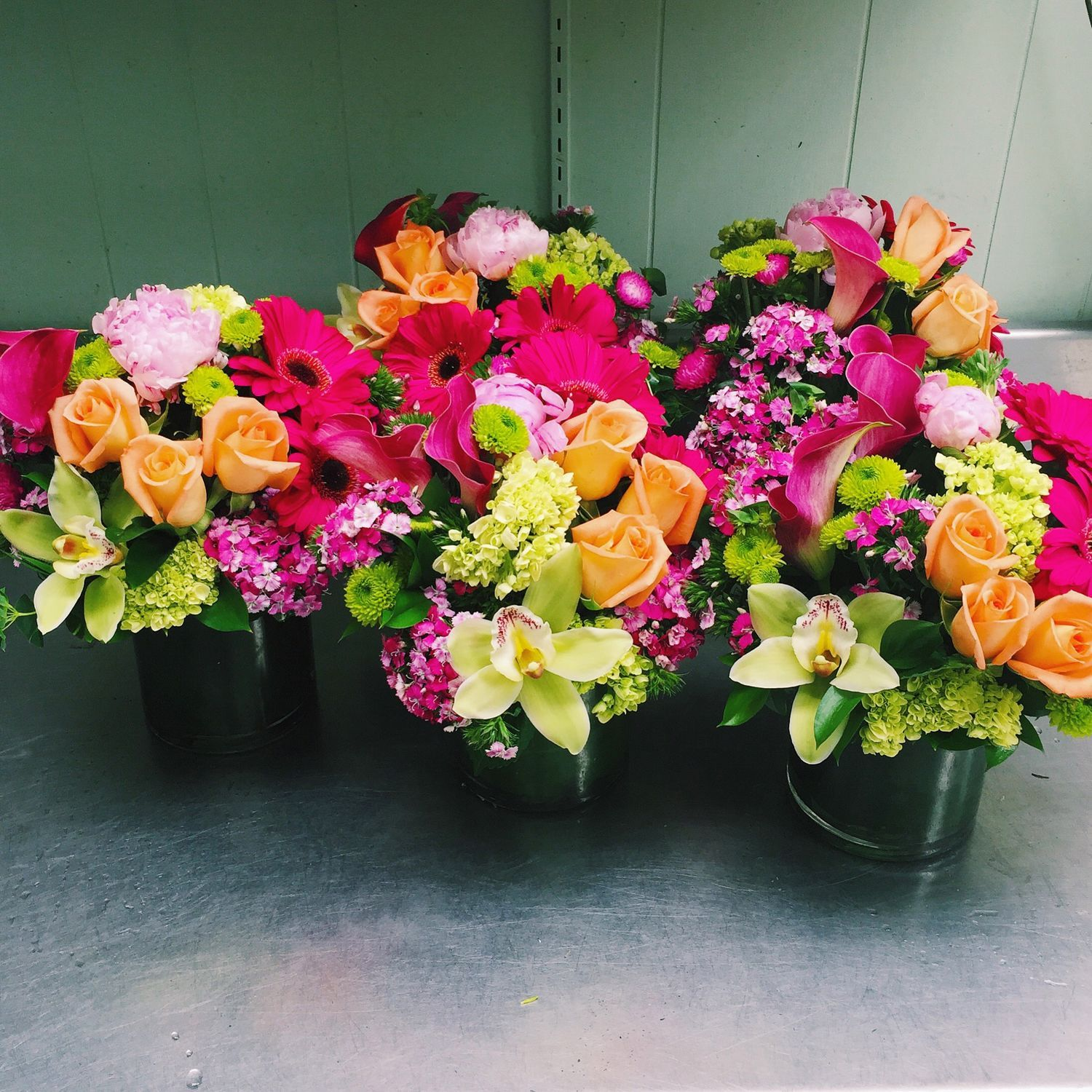 Admirable Colorful Cylinder Centerpieces Spanroses Orchids Download Free Architecture Designs Scobabritishbridgeorg