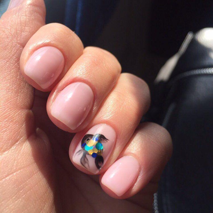 плитка имеет рисунок рыба на ногтях фото под маткапитал