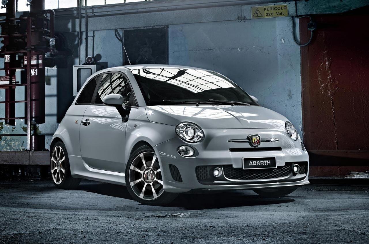 Fiat Predstavil Abarth 595 Turismo I Abarth 595 Competizione Dlya