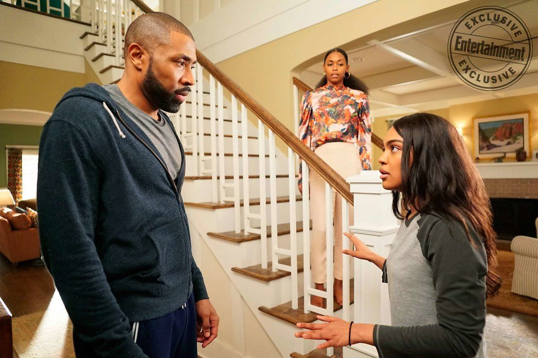 Black lightning how it differs from arrowverse shows ew