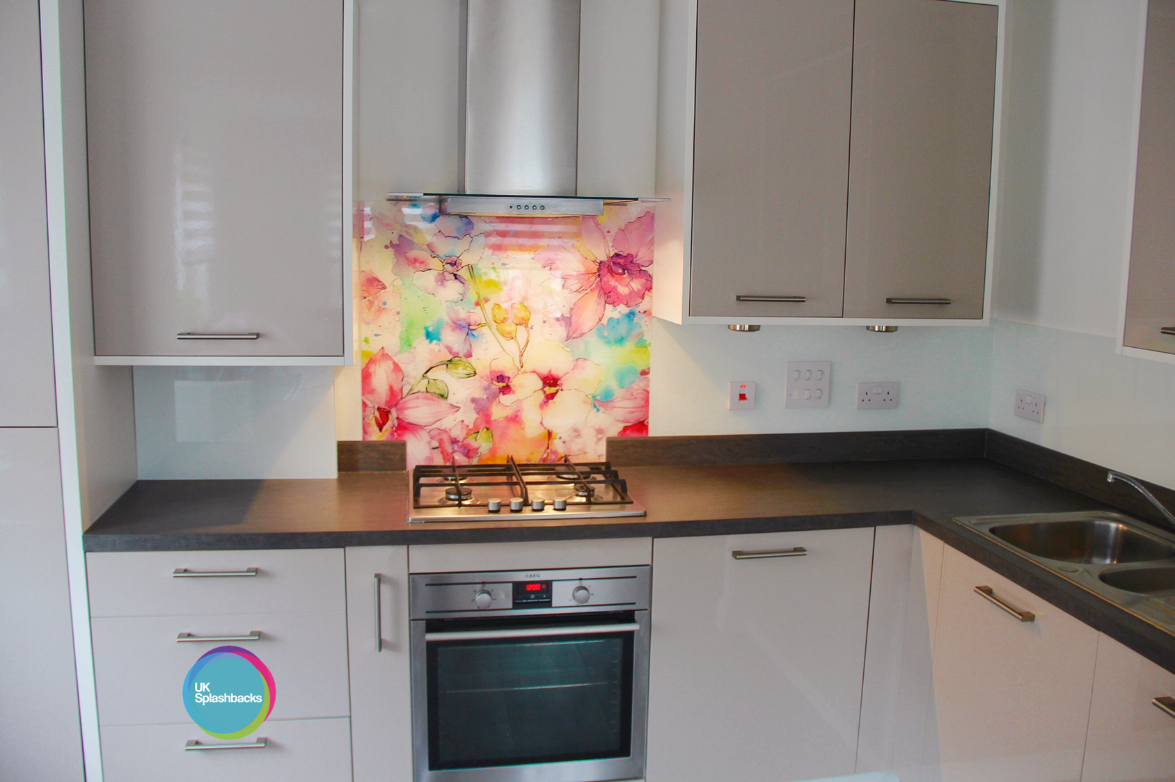 Best Printed Glass Splashbacks Give Your Kitchen A Personal 400 x 300