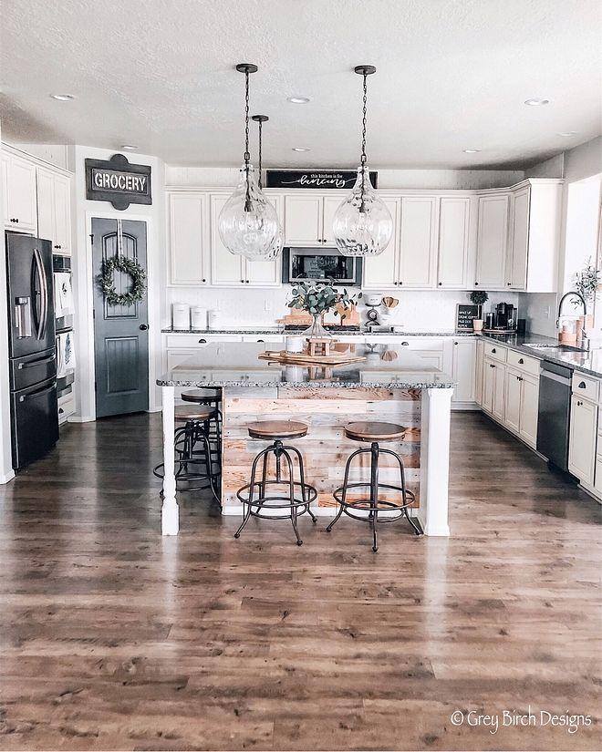 Beautiful Homes of Instagram: Farmhouse Interiors