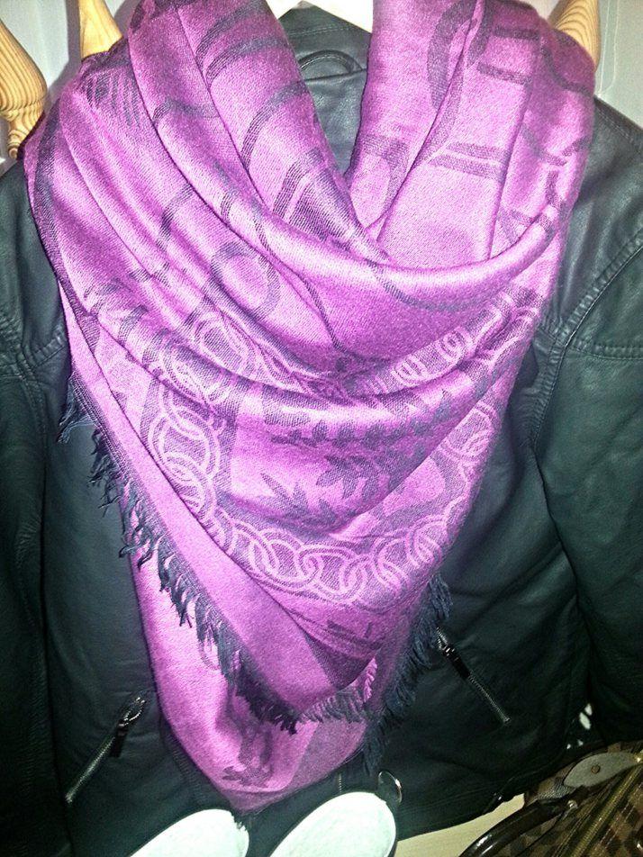 KIG FORBI BLOGGEN, og se mit super lækre, nye tørklæde fra www.misstiffany.dk og få en speciel rabatkode, kun til mine læsere, der gælder alle varer i shoppen <3