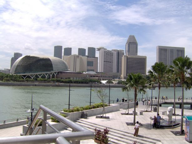 Singapore skyline in 2005. A lot has happened since then...