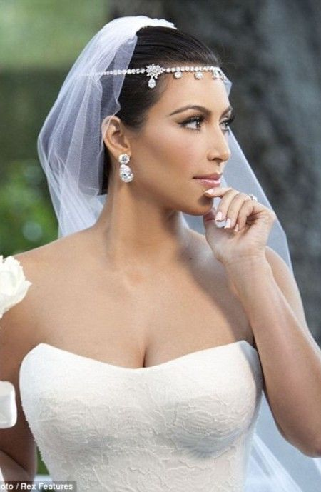 Celebrity Inspired Wedding Hairstyles For The Year 2018 2019 Celebrity Hairstyles I Kim Kardashian Wedding Dress Kardashian Wedding Kim Kardashian Wedding