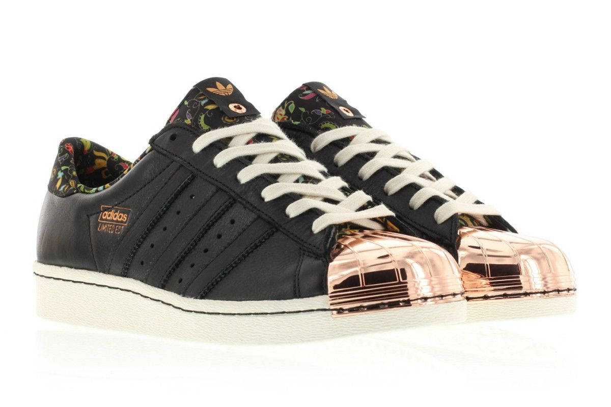 Adidas Limited Edition x Adidas Consortium Superstar 80v AF5776, Titolo