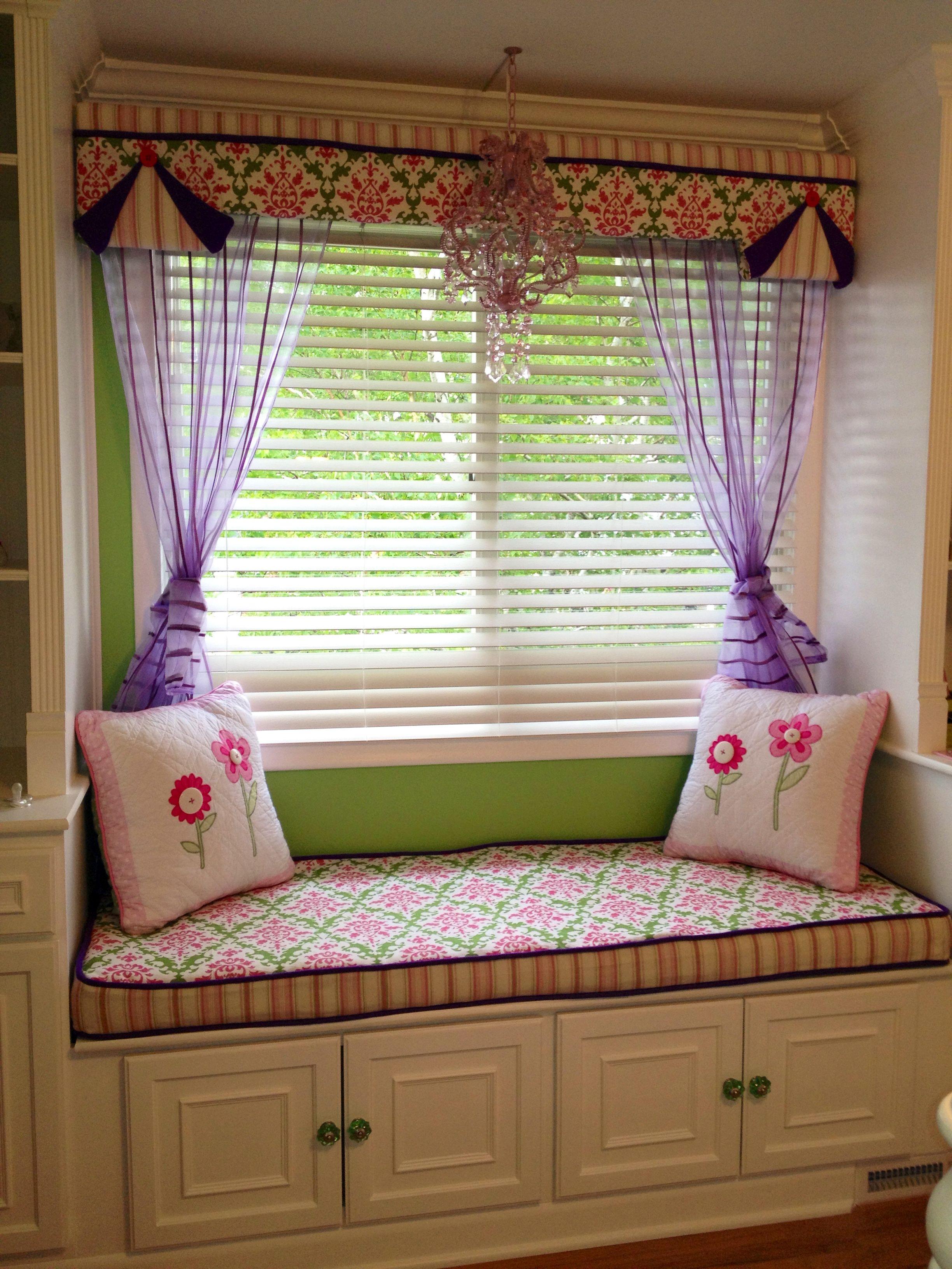 Best Girls Room Window Seat Nook Built Using Home Depot Stock 400 x 300