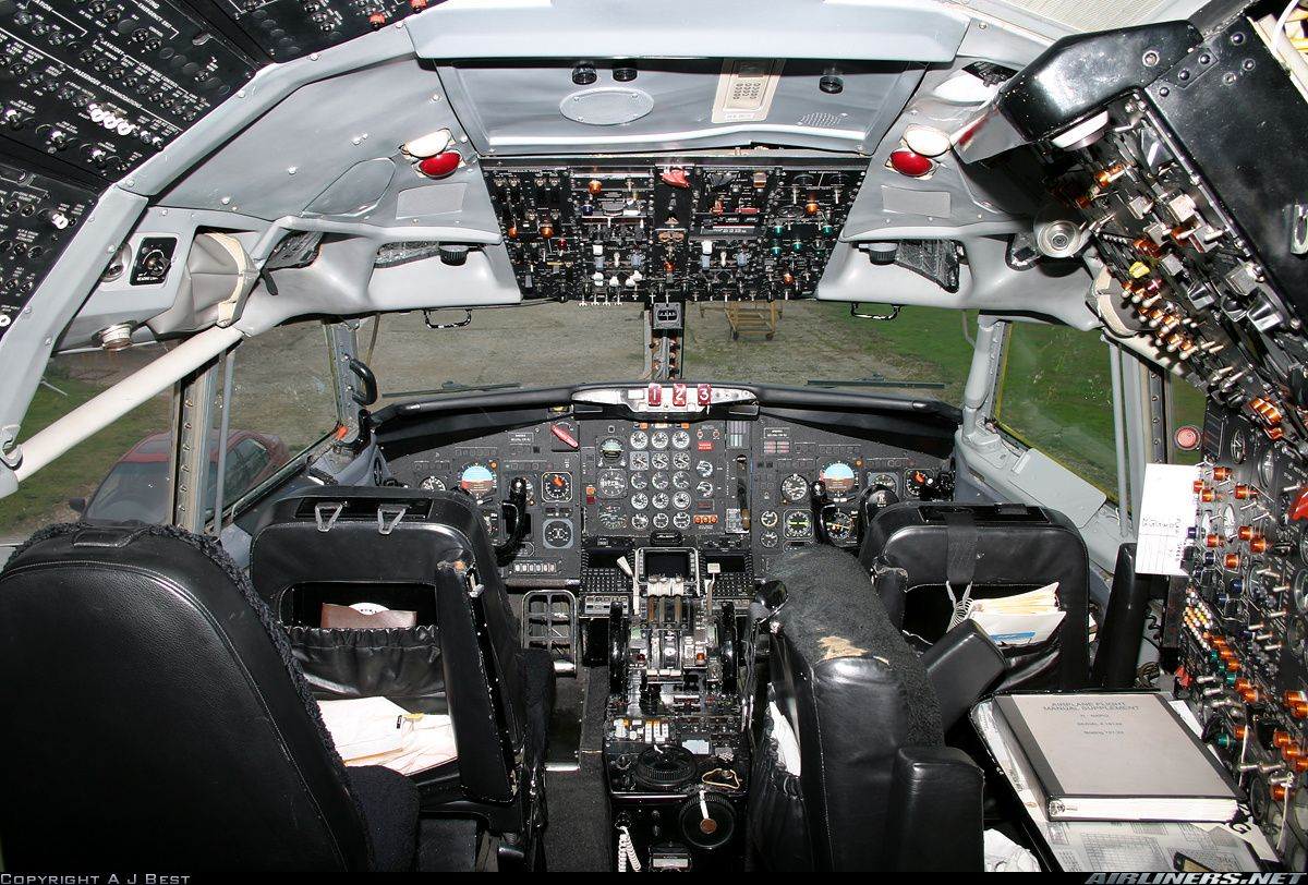 Boeing 727 22 Re Super 27 Cockpit