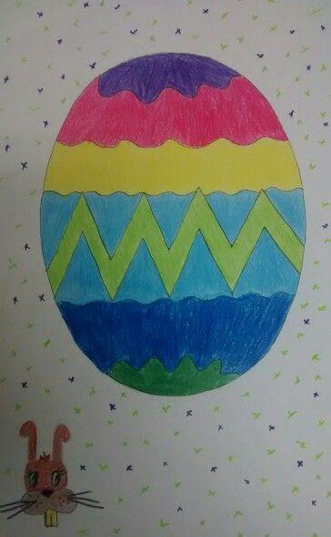 Un ovalado huevo de Pascua con simpàtico conejito incluido. Trop mignon!!!