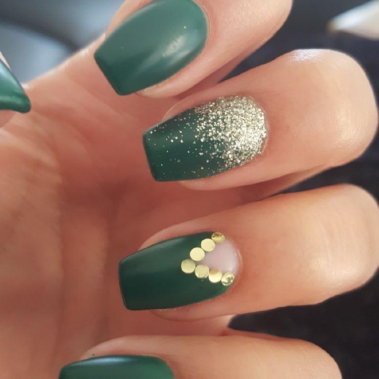 Tendenz Fall Nagel Grune Farbkunst Entwurfe 2019 Nageldesign Gel Nailart Coffin Nailsdesigns Acrylic Matte Green Nail Designs Green Nails Fashion Nails