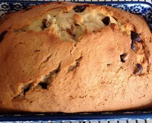 CHOCOLATE CHIP BANANA BREAD, make in cup cake pan. Too gooy in a loaf pan