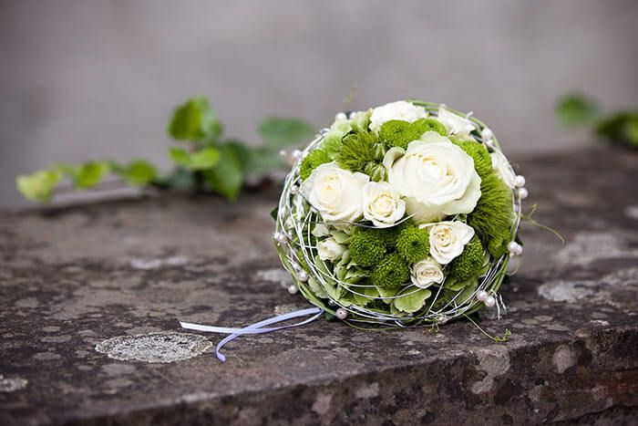 Brautstrauss Weiss Grun Bouquet Wedding Flowers Wedding Wedding