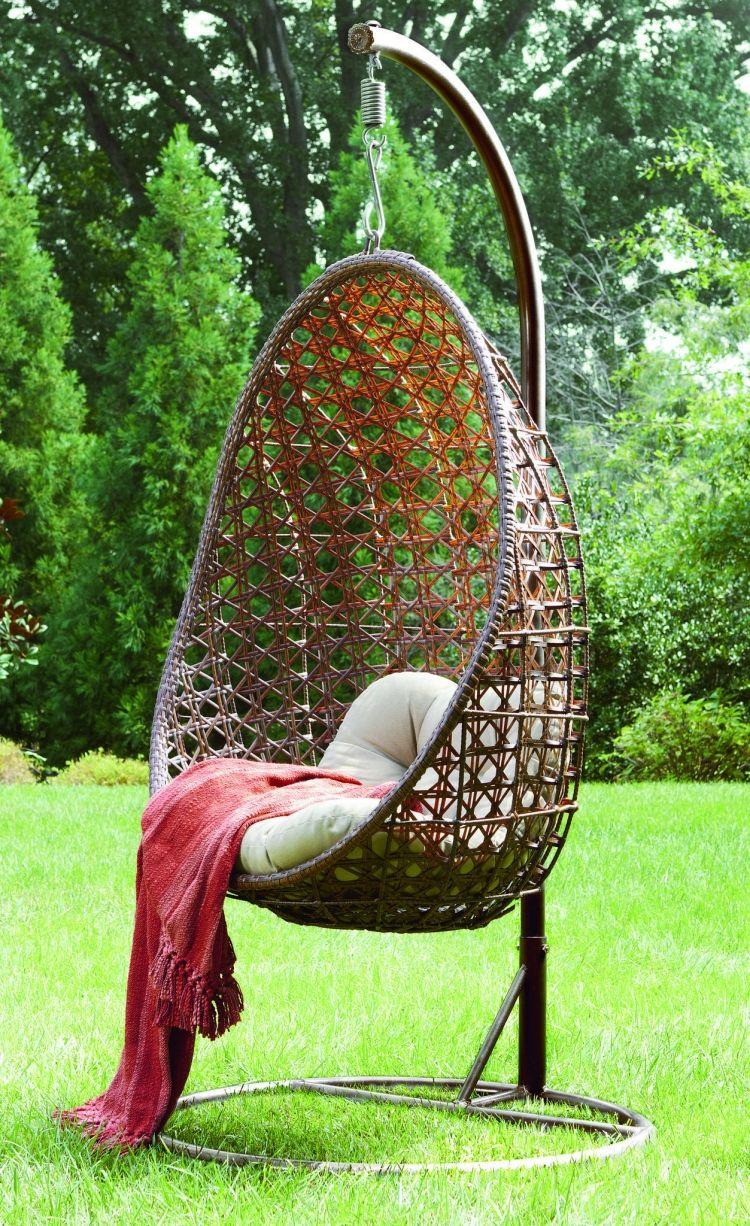 outdoor h ngesessel aus geflecht mit st nder w hnkram. Black Bedroom Furniture Sets. Home Design Ideas