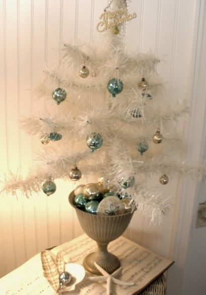white mini christmas tree - White Mini Christmas Tree