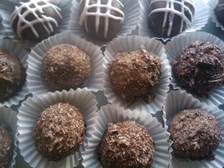 CHOCOLATE CAKE TRUFFLES - CAKE POPS by The Diva of Tiny Foods. Click image for recipe & instructions.