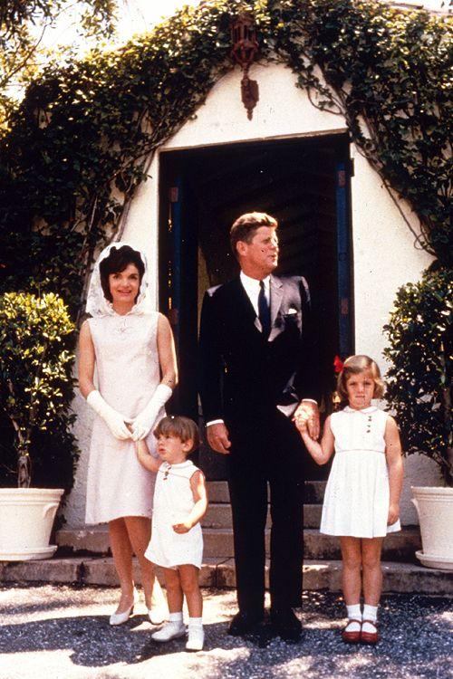 John f kennedy jacqueline kennedy and their children for John kennedy jr kids