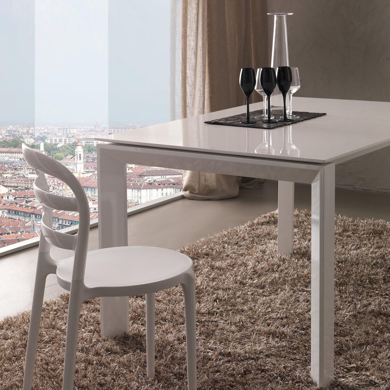 Tavolo Allungabile Laccato Bianco.Tavolo Da Pranzo Allungabile Valto Bianco Lucido Valto E Un Tavolo