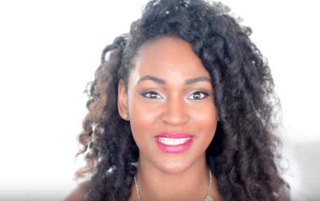 25 Idees De Coiffures Pour Les Cheveux Crepus Et Frises Astuces