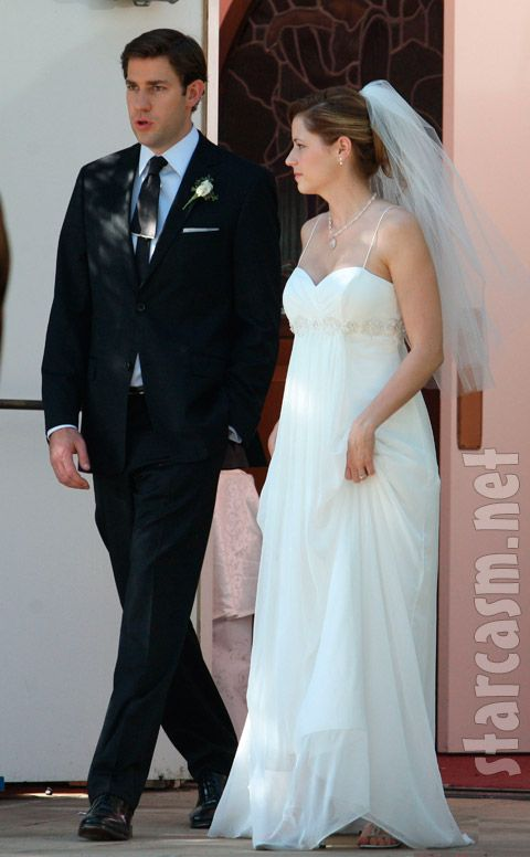 John Krasinski Emily Blunt Wedding.In Love With Pam S Wedding Dress The Office Wedding